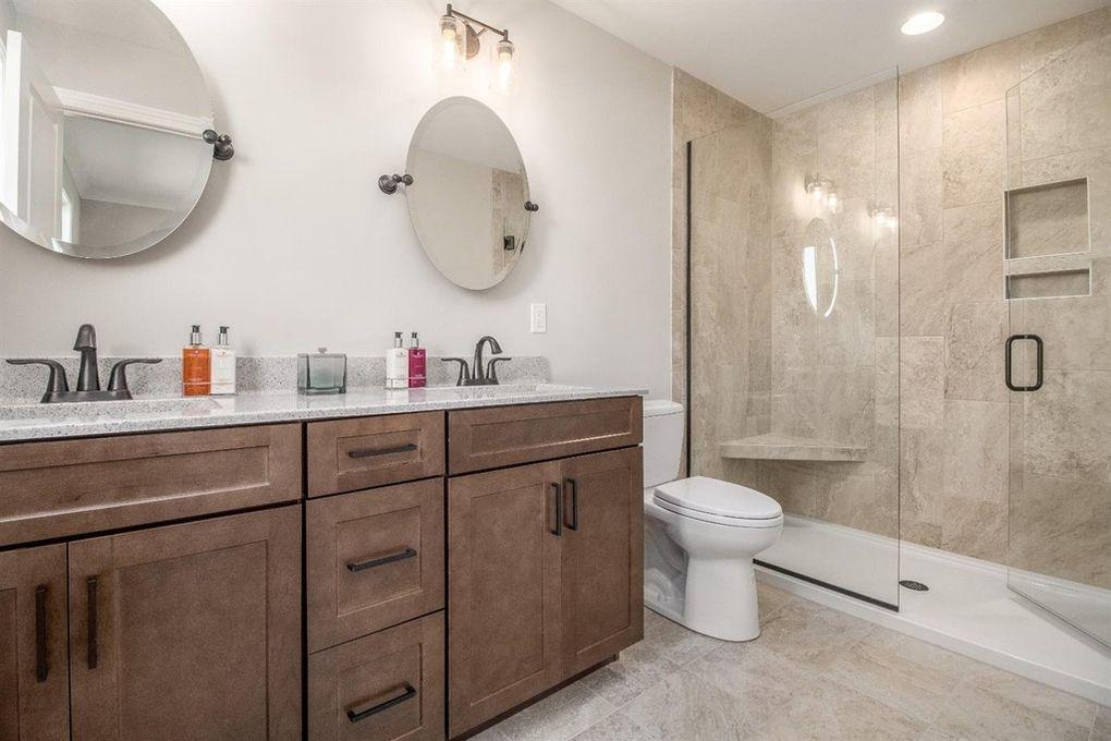 Bathroom - House in Cedar Lake, Indiana